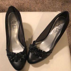 Black high heels, 7.5M, no box.